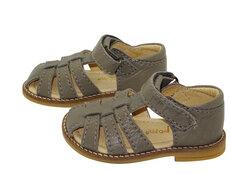 Starter sandal