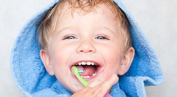 Tandbørstning på børn