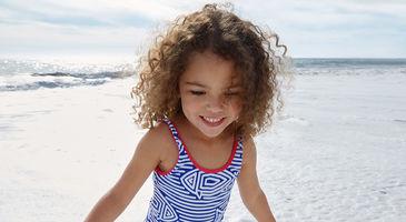 Sjov leg på stranden