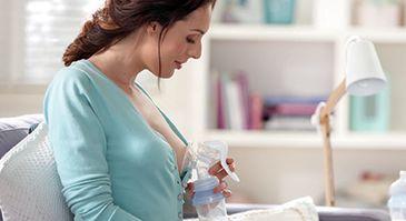 amning eller brystpumpe