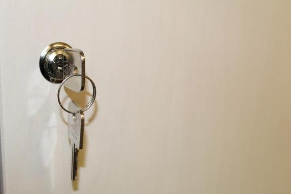 Lås med 2 nøgler