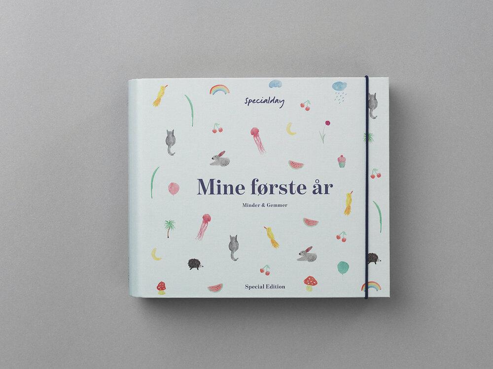 Image of Specialday Album Mine Første År - beige (2f4939b8-1b2f-4d39-8418-004addc5997f)