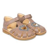 Hjerte sandal med velcrolukning - 8146