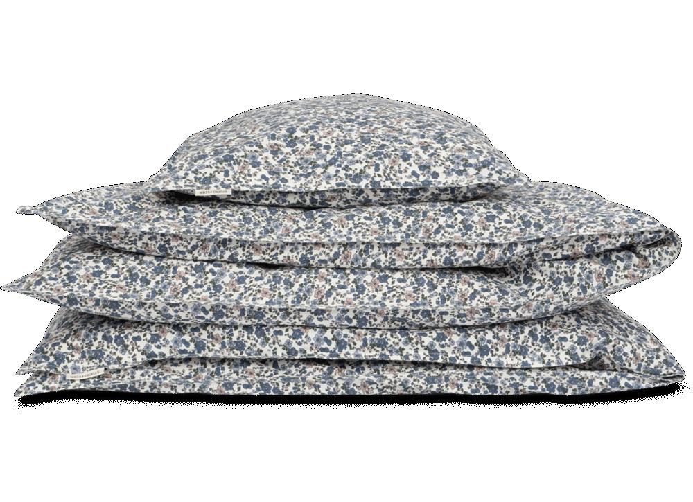 Image of Studio Feder Junior sengesæt - floral blue (b5bcd688-69ca-4f55-adb4-d40260b56b9e)