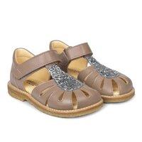 Sandal med justerbar velcrolukning - 8146
